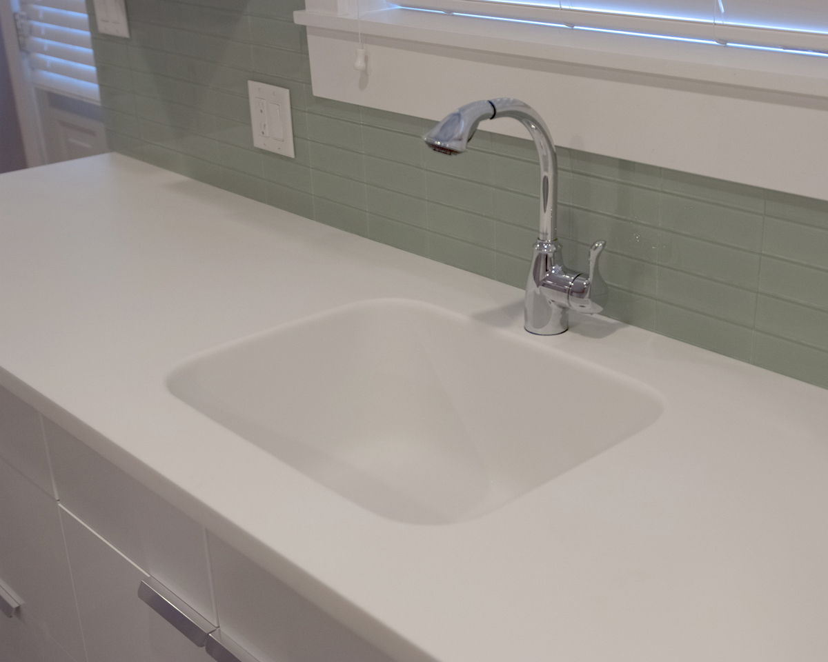 Countertop Kitchen Sink : ... Kitchen Countertops with Integral Sink Vancouver-Detail of Sink - Two