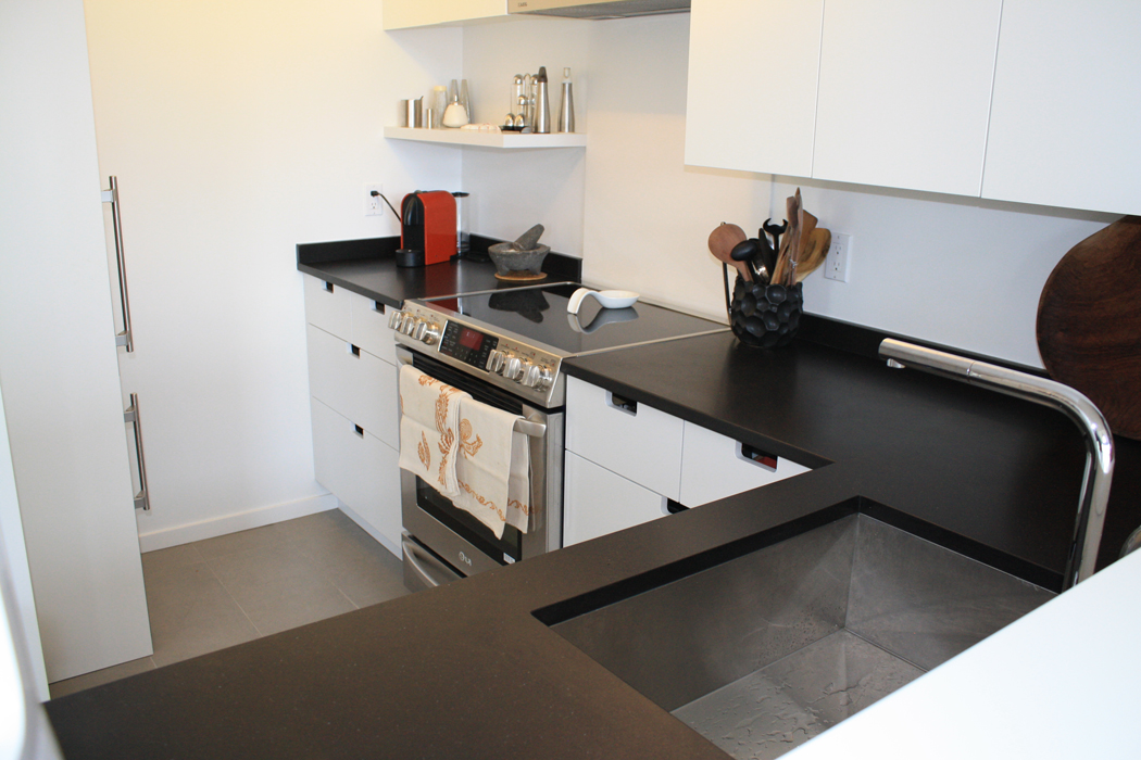 Fameli-Canuto Diresco Beach Black Honed Quartz Kitchen Countertops Oak St. Vancouver 0879