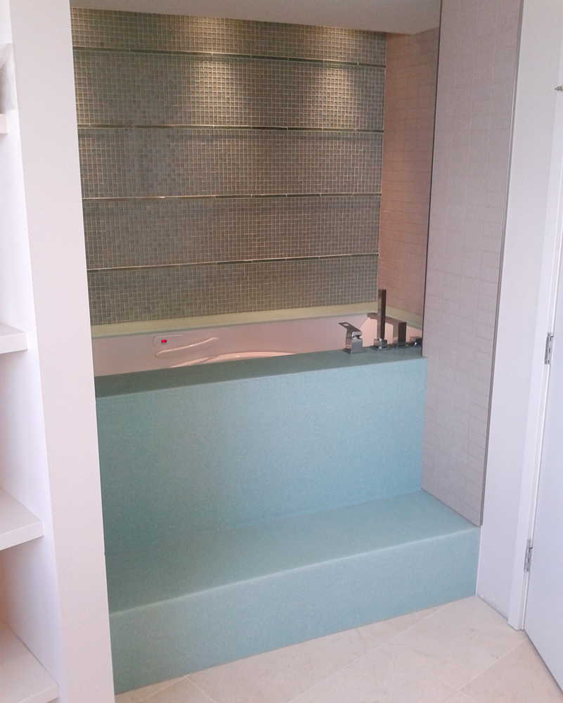 Solid Surface and Corian Tube Deck and Bath surrounds vancouver